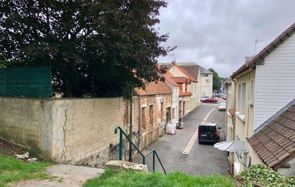 Montreuil-sur-Mer ruelle acces remparts