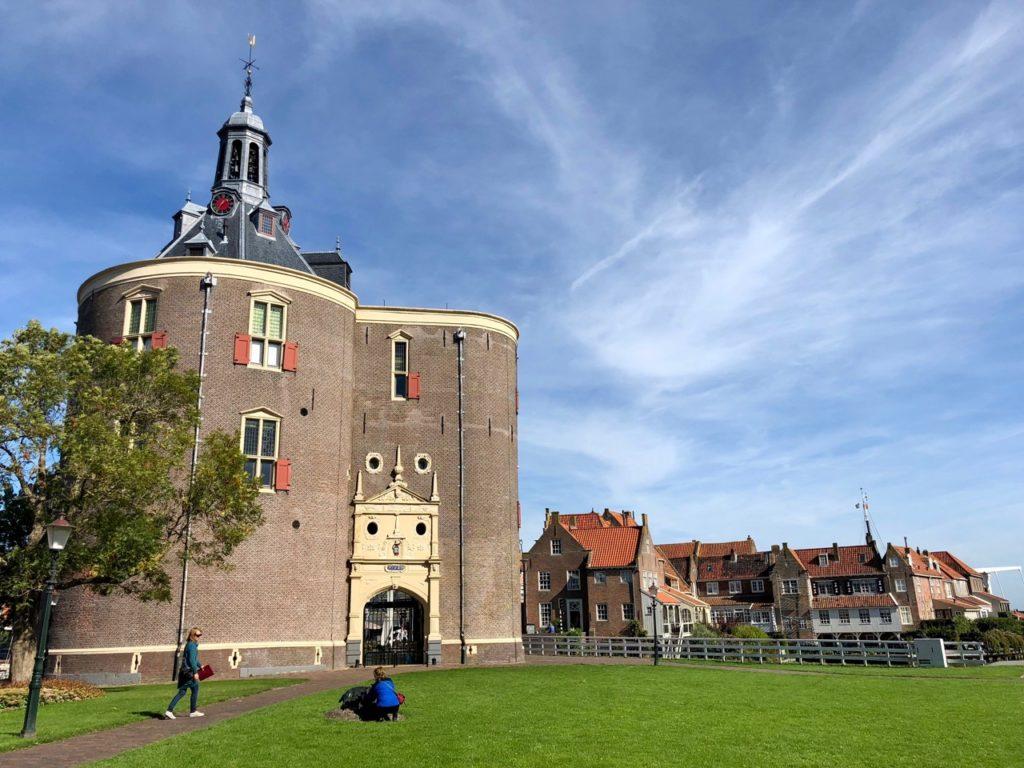 Pays-Bas Enkhuizen - Drommedaris vu de loin
