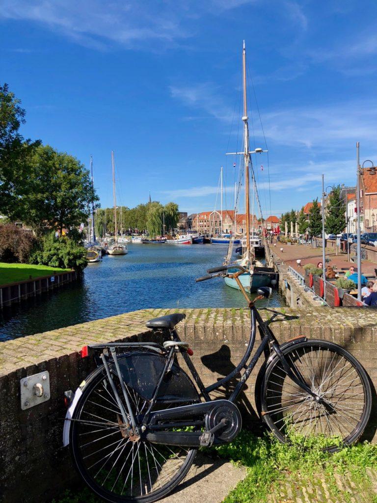 Pays-Bas Enkhuizen - quai avec vélo