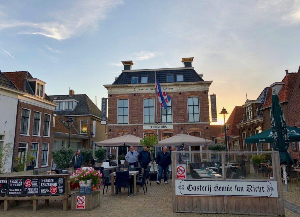 Pays-Bas digue du Nord - Makkum place centre