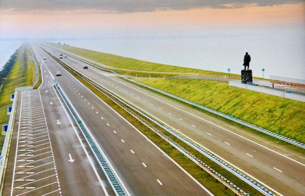 Pays-Bas digue du Nord - repro photo avec statue Lely