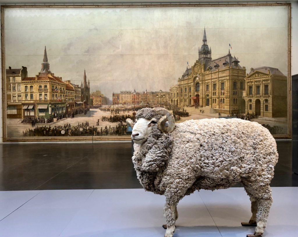 Roubaix La Piscine - panorama avec mouton