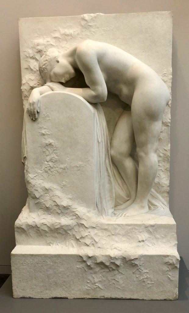 Roubaix musée La Piscine - galerie sculpture marbre blanc