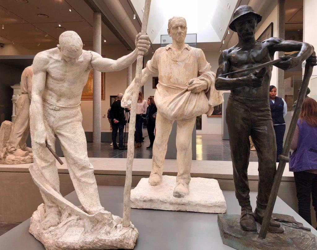 Roubaix musée La Piscine - nouvelle aile sculpture trois statues monde travail