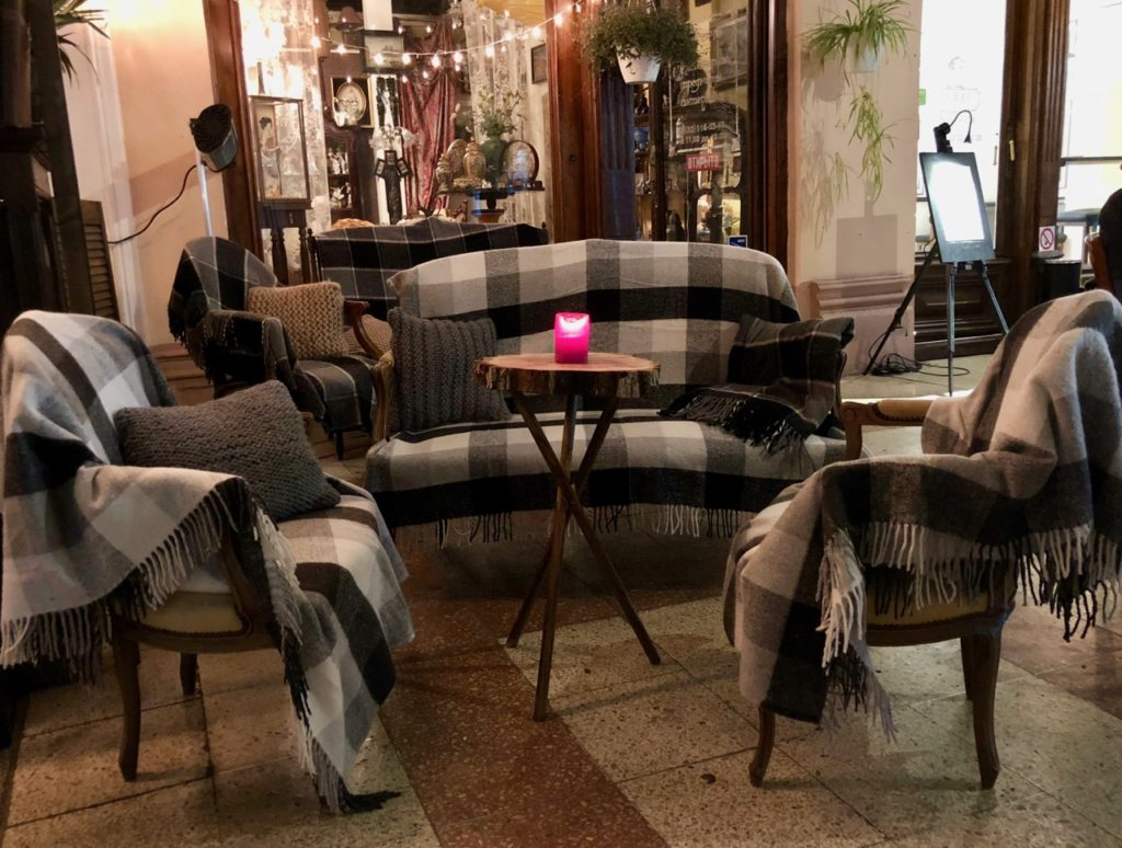 Ukraine-Odessa-passage-cafe