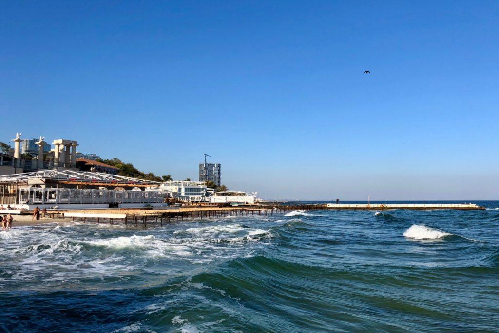 Ukraine-Odessa-plage-bord-de-mer