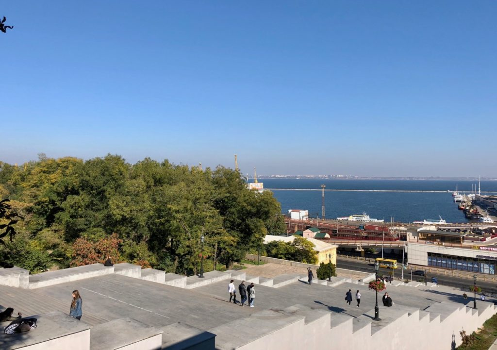 Ukraine-Odessa-vue-port-escalier-Potemkine