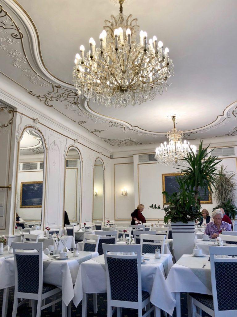 Marienbad-hotel-Pacifik-salle-a-manger