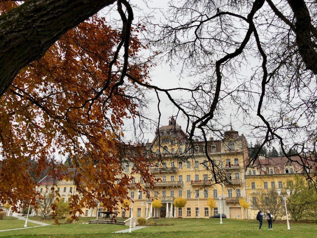 Marienbad-parc-et-hotel-a-renover