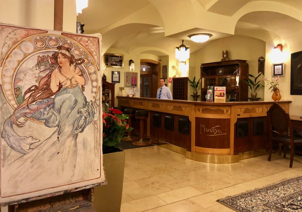 Tchequie-Prague-hotel-Mucha-hall