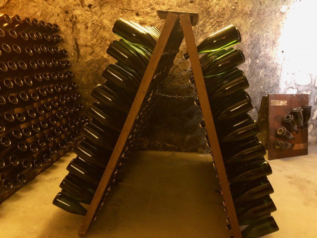 Caves Pannier Aisne bouteilles inclinées