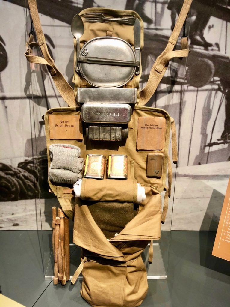 Centre interpretation Cote 204 sac à dos américain
