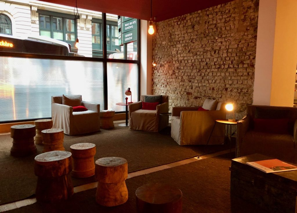 Bruxelles 9 Hotel Central réception fauteuil