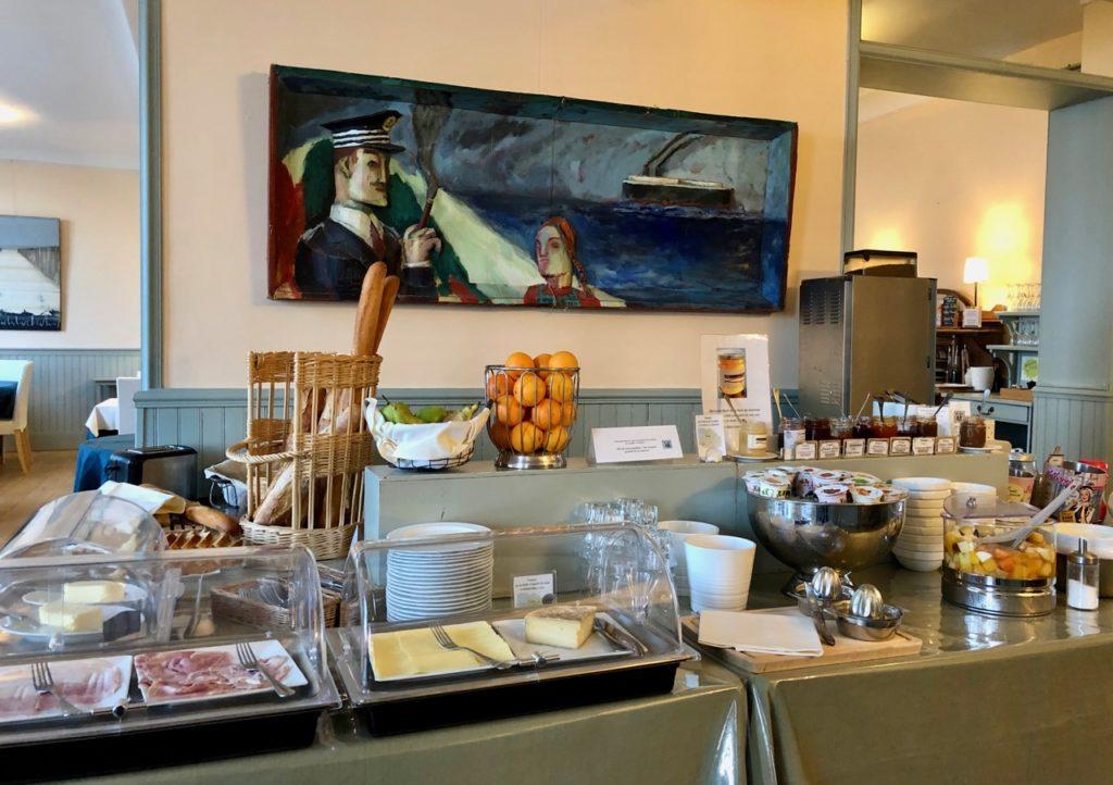 Le Crotoy hôtel Les Tourelles buffet petit déjeuner