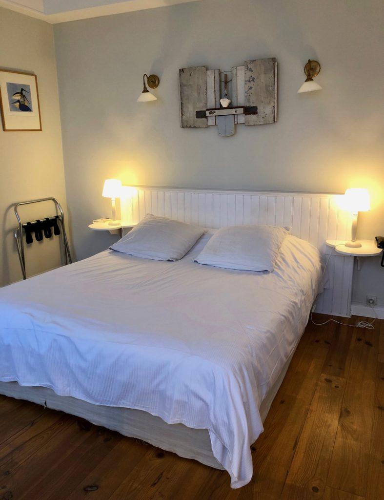 Le Crotoy hotel Les Tourelles chambre lit