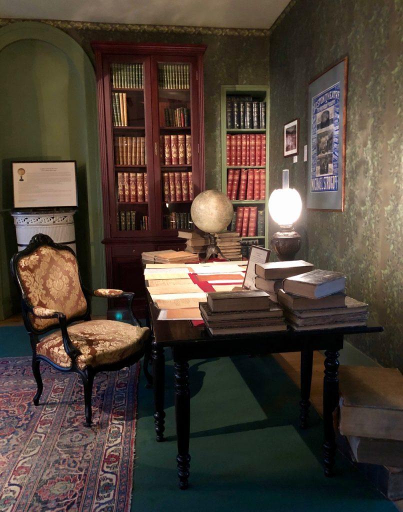 Amiens Maison Jules Verne bibliothèque