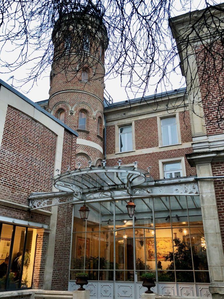 Amiens Maison Jules Verne cour