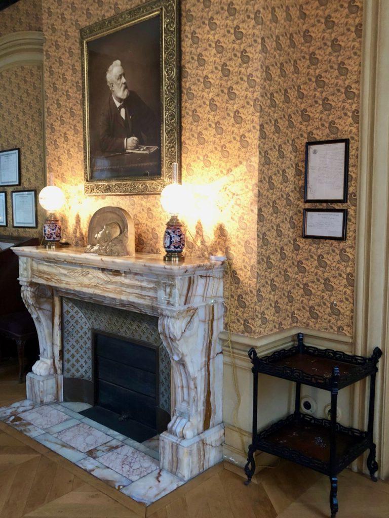 Amiens Maison Jules Verne fumoir cheminée