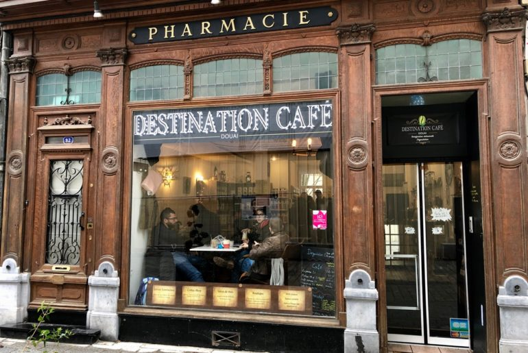 Destination Café Douai façade