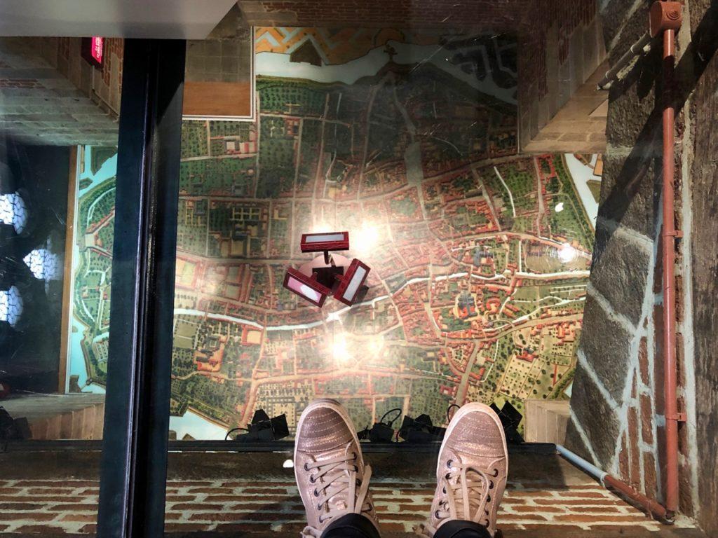Douai beffroi salle gardes plancher transparent