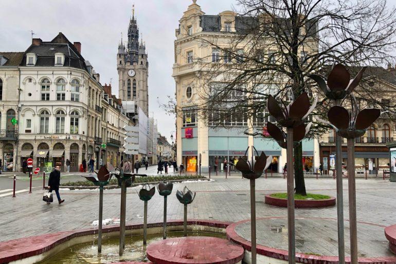 Douai beffroi vu de la place Armes