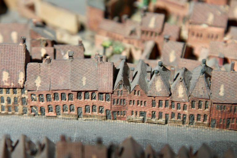 Nathalie Dereymaeker - Plan relief de Lille - rue de Fives