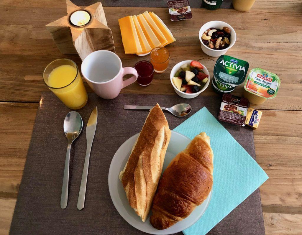 Saint-Quentin Les Nuits Pastel petit déjeuner