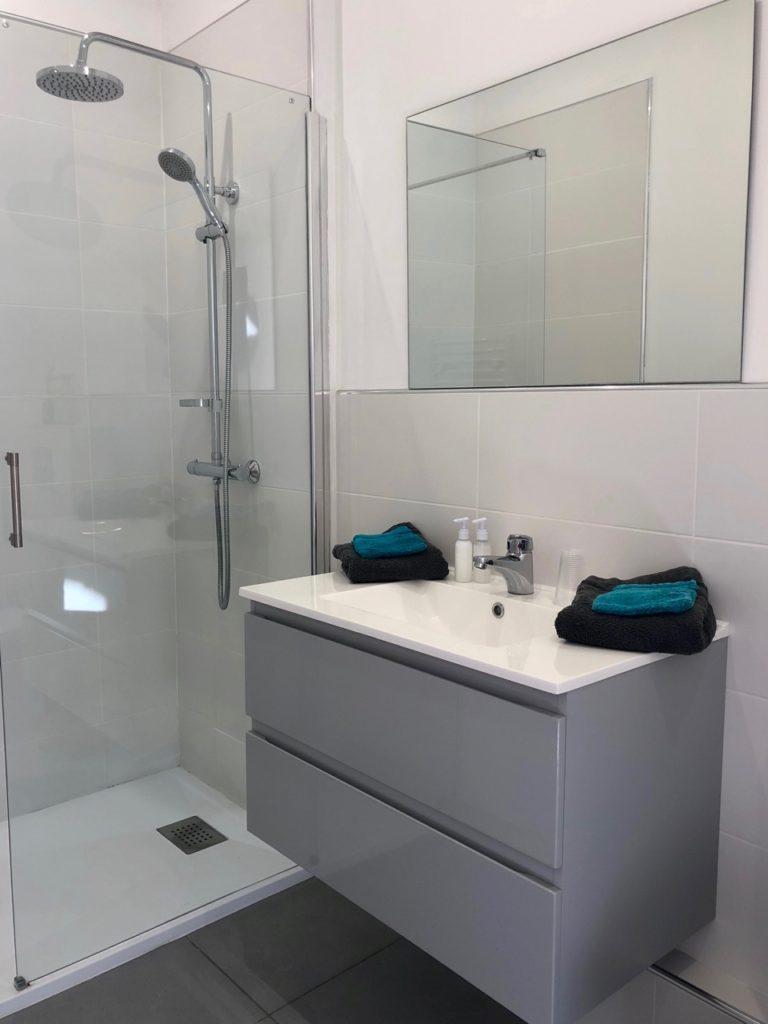 Saint-Quentin Les Nuits Pastel salle de bains