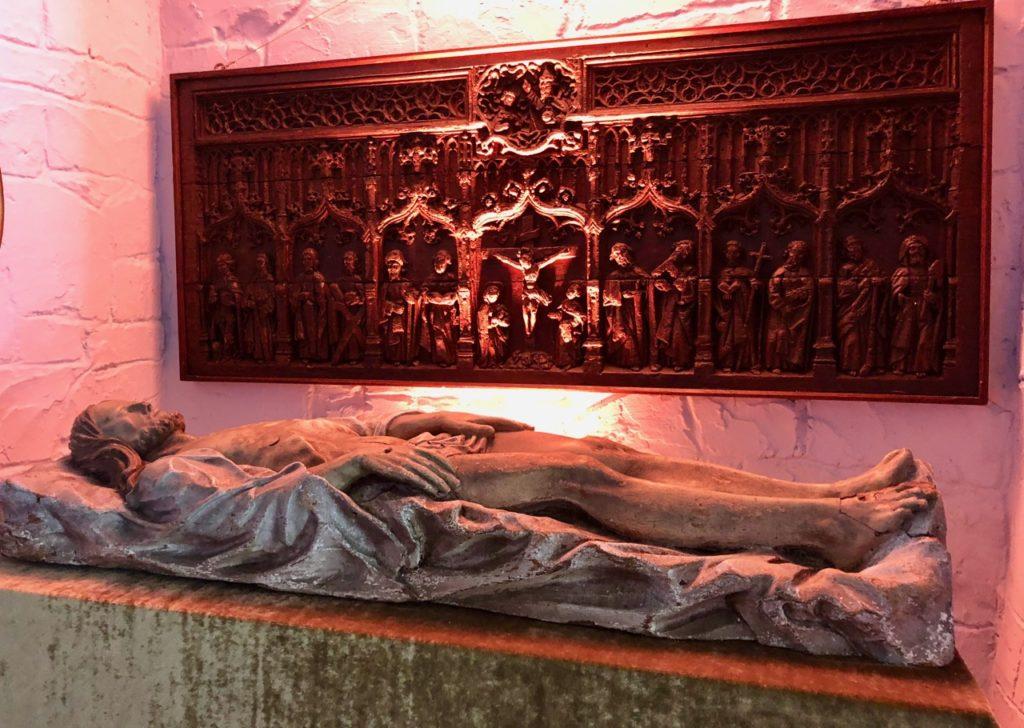 Belgique chateau Chimay Christ gisant