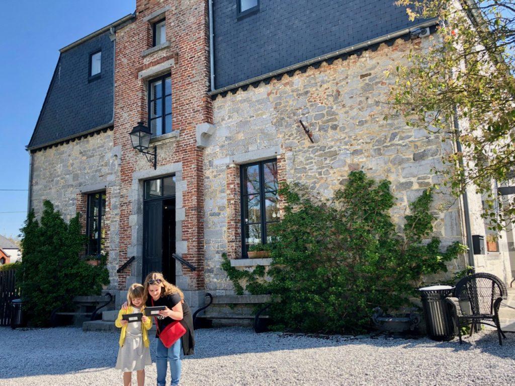 Belgique château Chimay cour
