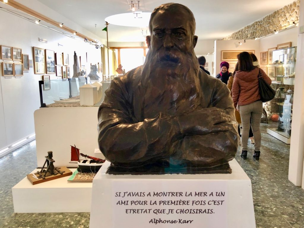 Etretat musée patrimoine statue Alphonse Karr