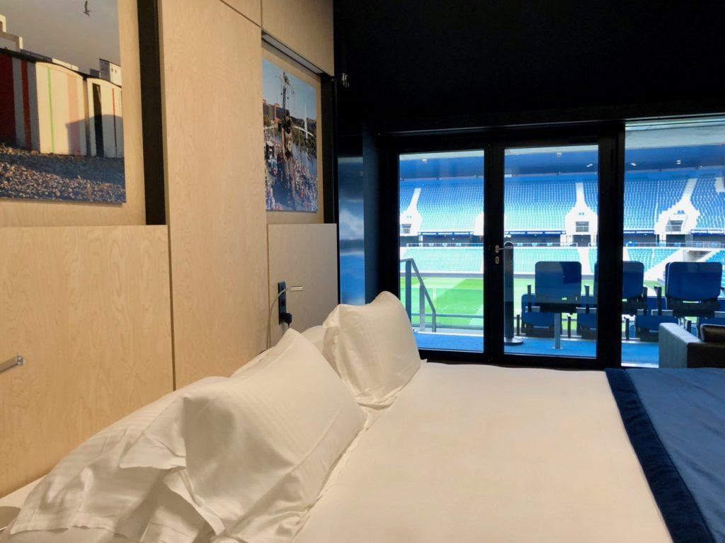 Le Havre hotel stade Océane lit