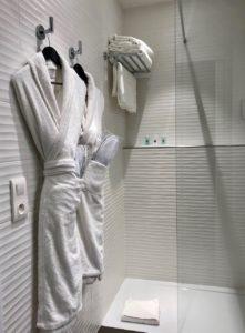Le Havre hotel stade Oceane salle de bain