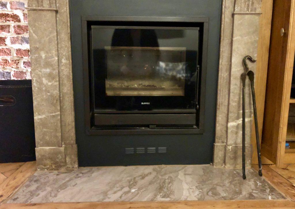 Salon marbre cheminée