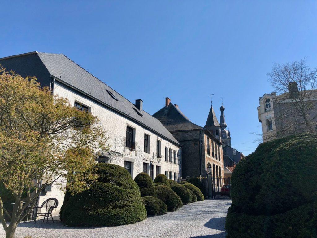 Belgique château Chimay entrée et collégiale