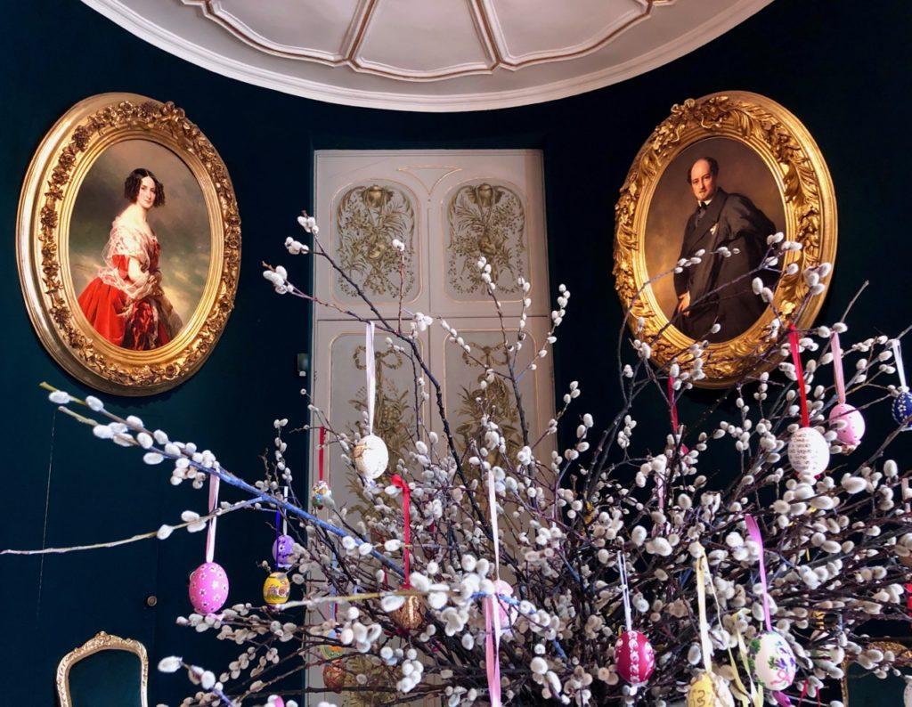 Belgique château Chimay salle portraits