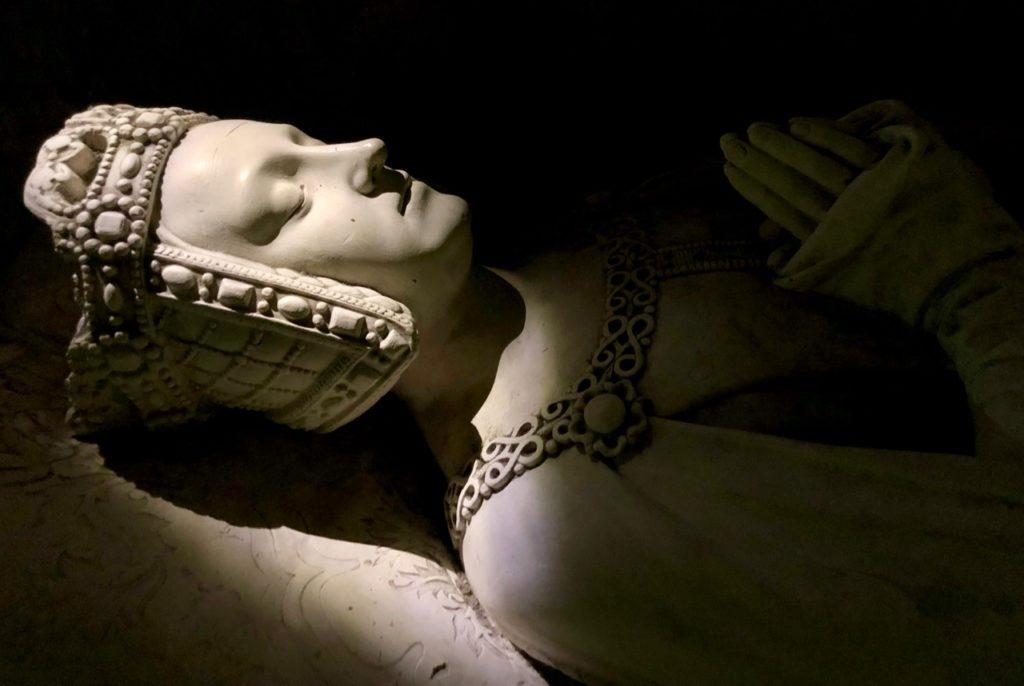 Chateau de Pierrefonds gisant