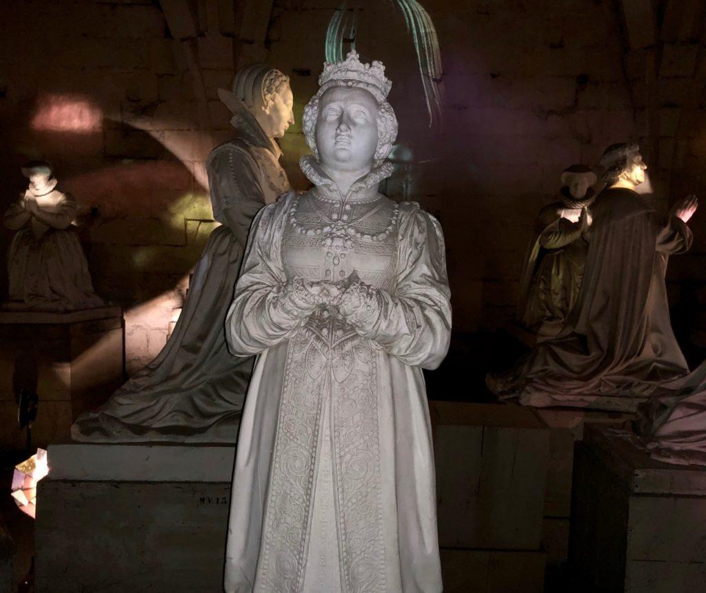 Chateau de Pierrefonds statue marbre
