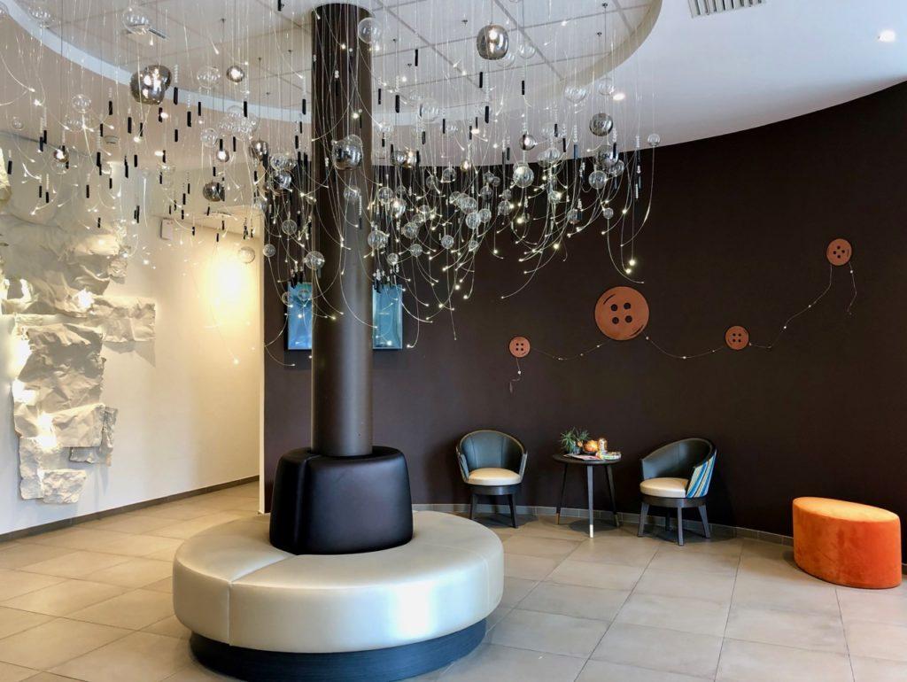 Hotel-de-la-tabletterie-meru-lobby