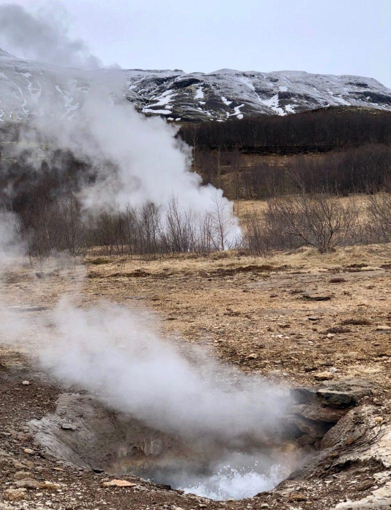 Islande cercle or geysir colonnes vapeur
