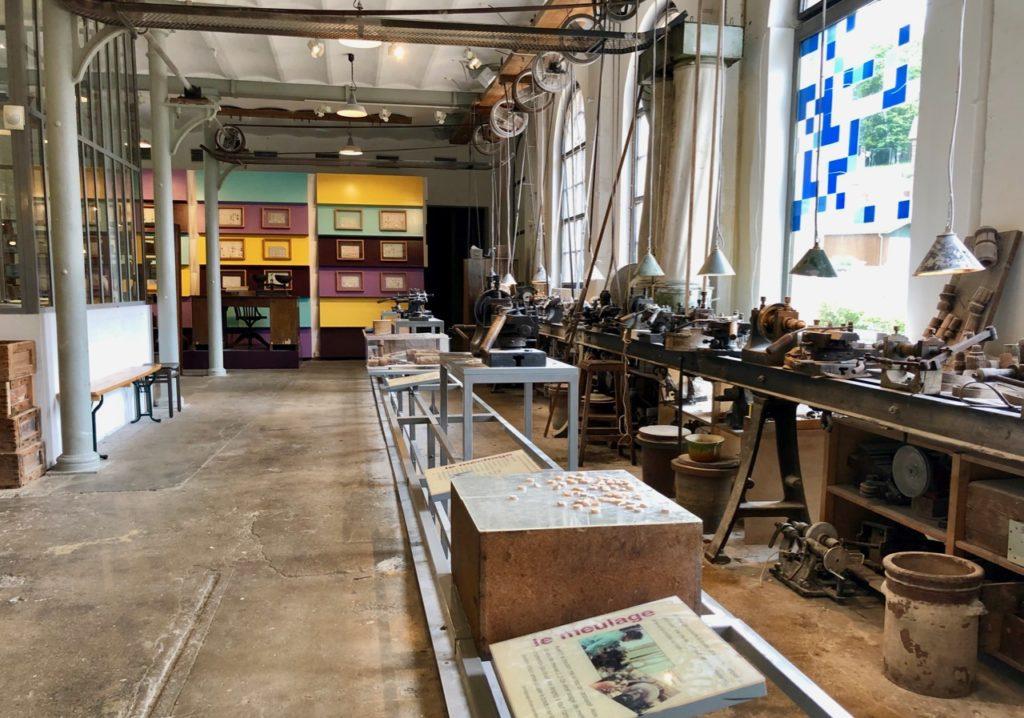 Musee-de-la-nacre-et-de-la-tabletterie-meru-atelier-de-boutonnier