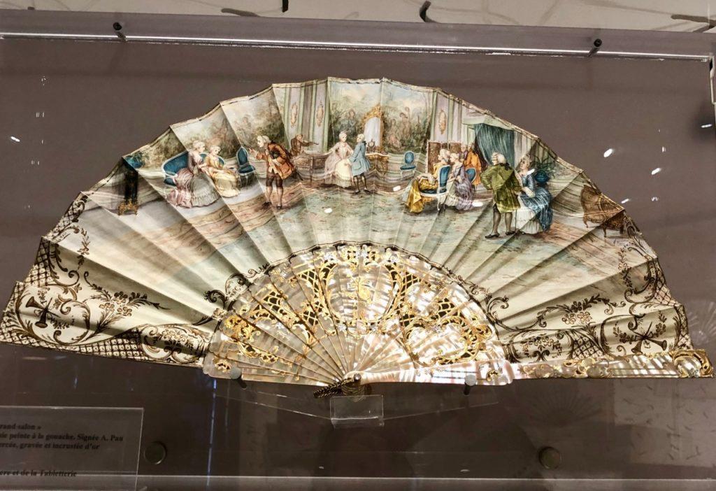 Musee-de-la-nacre-et-de-la-tabletterie-meru-eventail-un