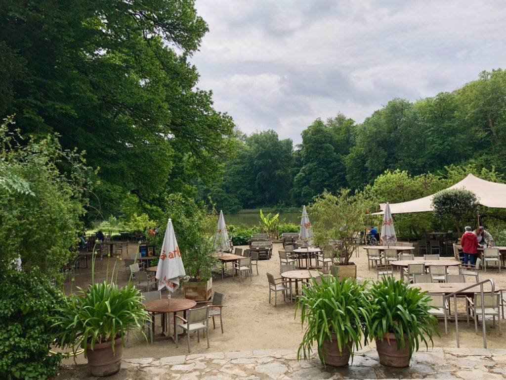 Jardin-botanique-Meise-etang-pres-Orangerie