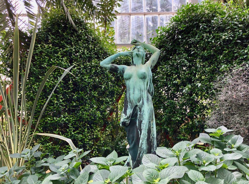 Jardin-botanique-Meise-palais-des-plantes-statue