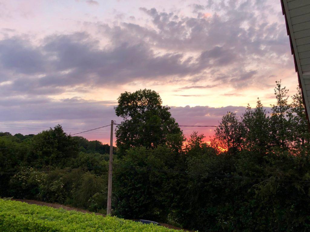 Reseau-points-noeuds-velo-monts-de-flandre-coucher-soleil-la-garonde
