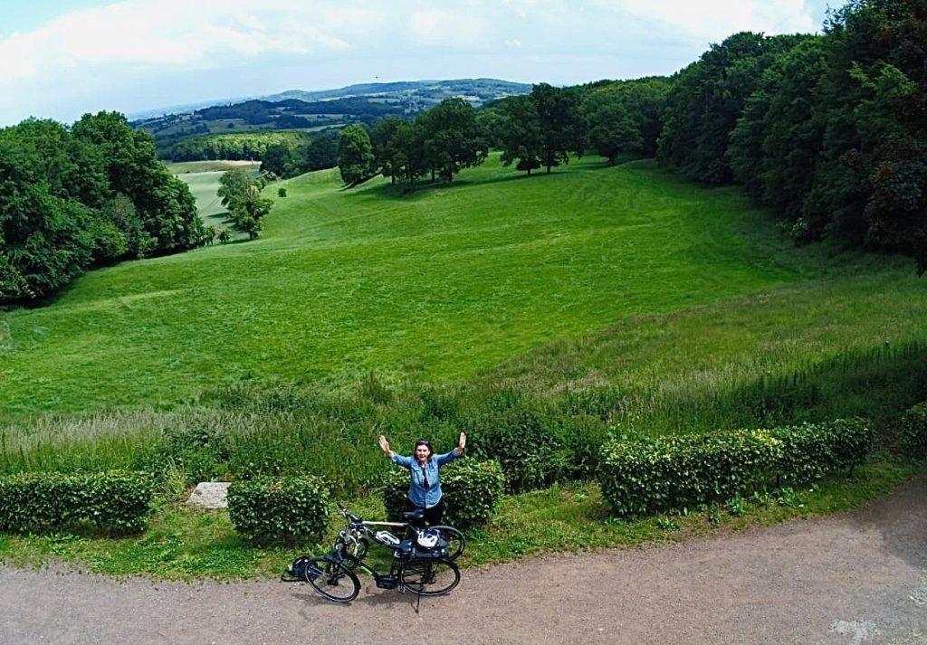 Reseau-points-noeuds-velo-monts-de-flandre-photo-drone-panorama-abbaye-mont-des-cats