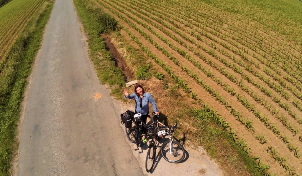 Reseau-points-noeuds-velo-monts-de-flandre-photo-drone-velo-bord-champ
