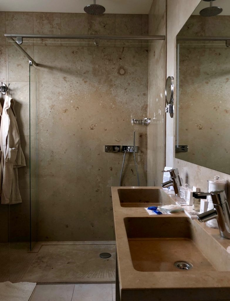 Thermes Dilbeek hotel salle bains douche