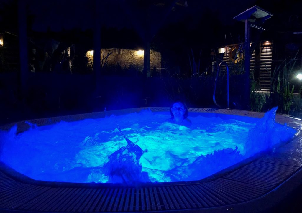 Thermes Dilbeek jacuzzi dehors nuit