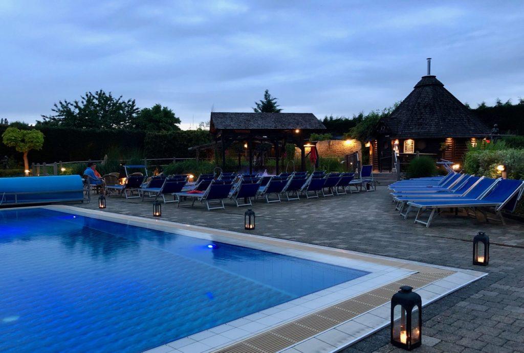 Thermes Dilbeek piscine dehors